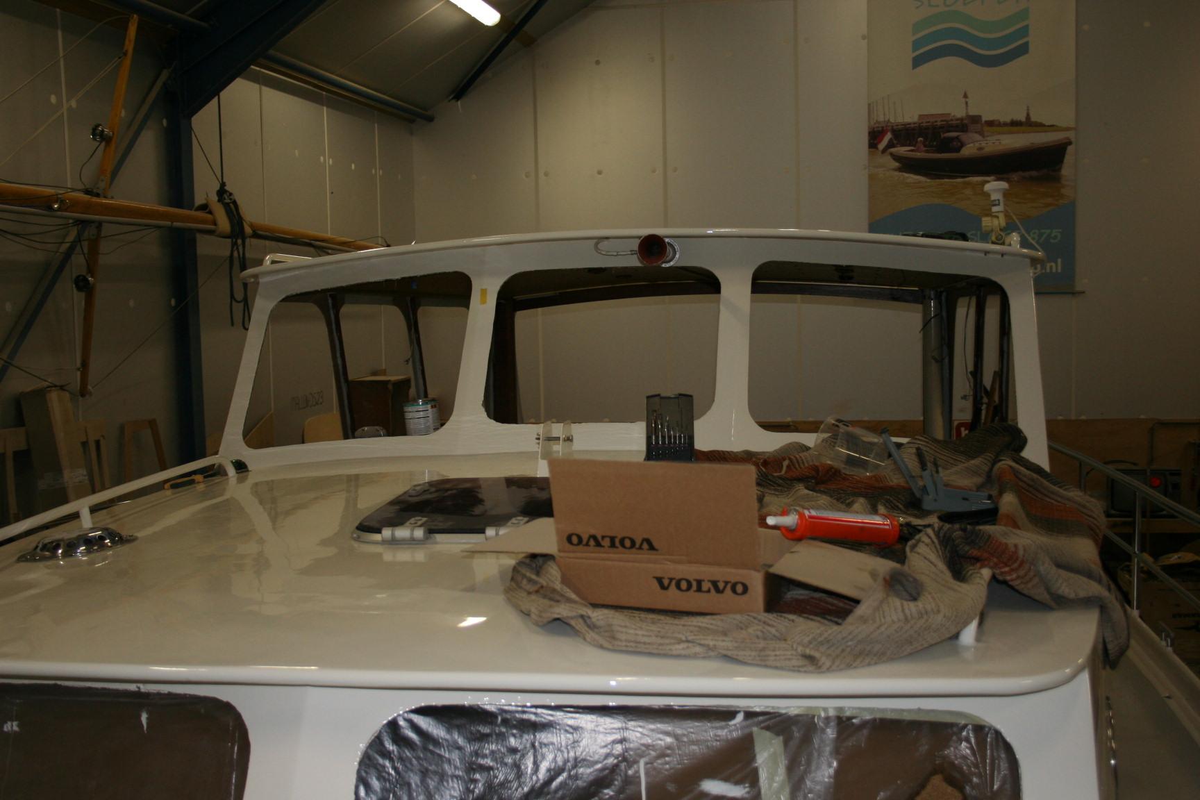 Complete refit en reparatie Motorkruiser in Harlingen